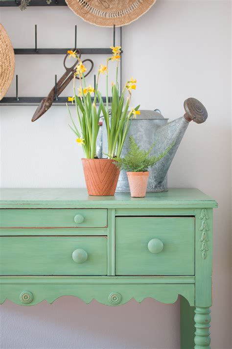 Magnolia Home Chalk Paint Review - Saw Nail and Paint
